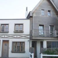 Hotel Pictures: Holiday home Cosy Knokke, Driewege