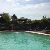 Hotel Pictures: L'Aunette Cottage, Chamant