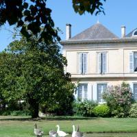 Hotel Pictures: Le Château de la Presqu'ile, Peyronnet
