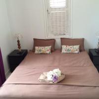 Hotel Pictures: Ruim appartement in Julianadorp, Willemstad