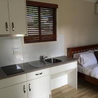 Villa with Rainforest Views - Disability Access