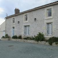 Hotel Pictures: Les Puvinieres, Breuil-Barret