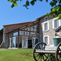 Hotel Pictures: La Halte du Pèlerin, Chérier