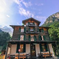 Hotel Pictures: The Alpenhof, Stechelberg
