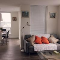Hotel Pictures: Beautiful View Highrise Condo, Coquitlam