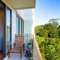 One-Bedroom Apartment with Garden View