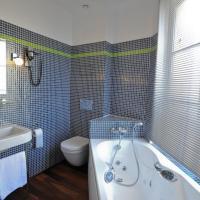 Triple Room with balneo bath and City View