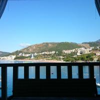 Family Deluxe One-Bedroom Apartment with Balcony and Sea View