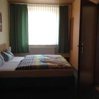 Hotel Pictures: Landhotel Zum Rautenkranz, Helbra