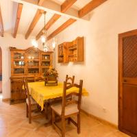 Hotel Pictures: Charming House in Valldemossa, Valldemossa