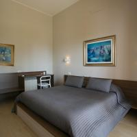 Double Room with Patio and Partial Sea View
