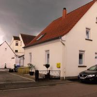 Hotel Pictures: Gästehaus Kaster, Homburg