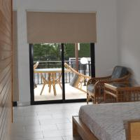 Hotel Pictures: Royal Sunset Studios, Moutayiaka