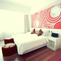 City Facing Suites