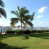 Hotel Pictures: Flamingo Court, Nassau