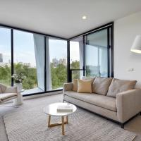 One-Bedroom Apartment with View