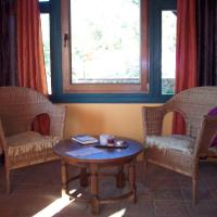 Hotel Pictures: Mas Olivella, Alforja