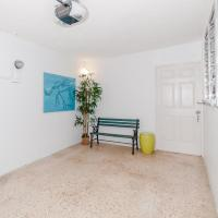 One Bedroom Apartment With Private Parking