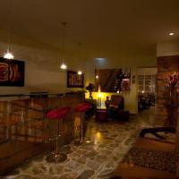 Hotel Pictures: 61 Prado Guesthouse, Medellín