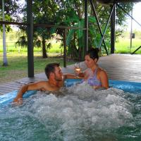 Hotel Pictures: Berry Creek Bush Retreat, Acacia Hills