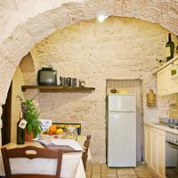 Trullo One-Bedroom House with Pool View