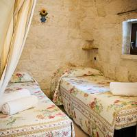 Trullo Two-Bedroom House with Pool View