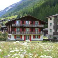 Hotel Pictures: Chalet Moos, Randa