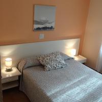 Hotel Pictures: Hostal Isla Playa, Isla