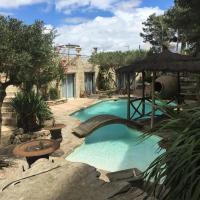 Hotel Pictures: Domaine de montredon Mas de la Berchère, Montredon