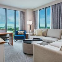 One-Bedroom Premium King Suite with Pool View