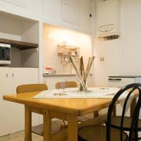 White guesthouse in Bolognina