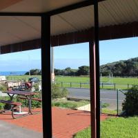 Hotel Pictures: Bott's Beach Retreat, Maslin Beach