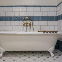 Superior King Room with Spa Bath