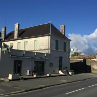 Hotel Pictures: Le Cheval Blanc, Saint-Ciers-du-Taillon