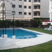 Hotel Pictures: Passeig Maritim Apartment, Calafell