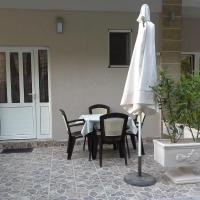 Studio with Patio (3 Adults)