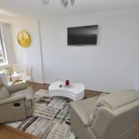 Hotel Pictures: Neutral Bay Fully Self Contained Modern 1 Bed Apartment (603WAY), Sydney
