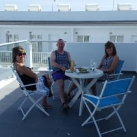 Hotel Pictures: Highview Gardens D2102, Mazotos