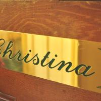 Christina Queen Room