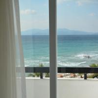 Triple Room with Sea View and Balcony