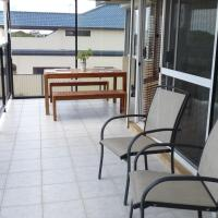 Hotel Pictures: Absolute Beach Front, Warnbro