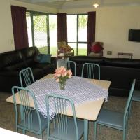 Hotel Pictures: CWA Busselton Holiday Units, Busselton