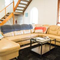 Hotel Pictures: 76 Queen St Vacation Home, Sandy Bay