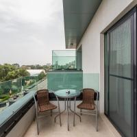 Executive One-Bedroom Apartment with Terrace and Balcony