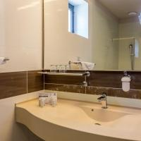 Superior Double Room with Spa Bath and City View without Balcony