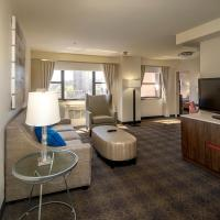 Non-Smoking Two Room Queen Suite