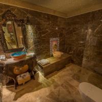 Deluxe Cave Room