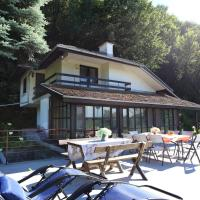 Hotel Pictures: Forest House Seven Generations, Mechka
