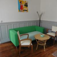 Hotel Pictures: 60's corner, Moulins