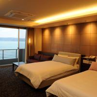 Room with Tatami Area and Sea View Open-Air Bath